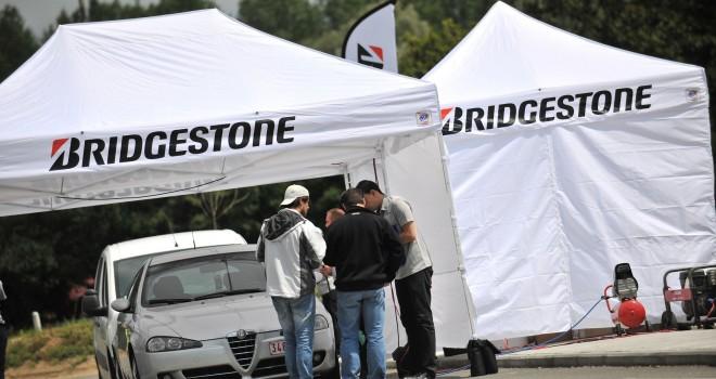 Bridgestone e First Stop: sicurezza in strada ed emozione da gara